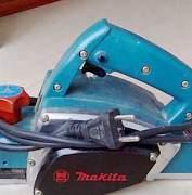 Электрорубанок с ножами 82 мм