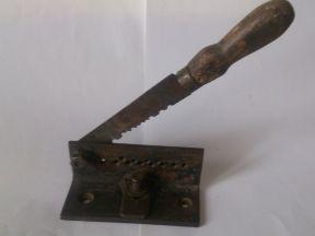 Нож-резак для резки свинцовой проволоки под дробь