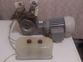 Электродвигатель асинхронный с редуктором