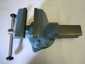 Тиски слесарные TCC-80,100,140