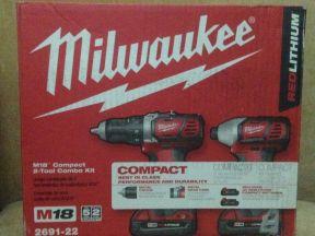 Шуруповерт Milwaukee M18 2691-22