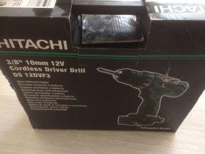 Шуруповерт новый Hitachi 12v