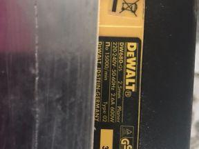 Электрорубанок Де Walt DW680