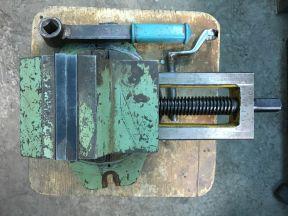 Тиски станочные поворотные, ширина губок 125 мм