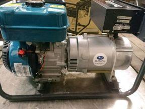 Новый бензиновый генератор Makita 3 кВт