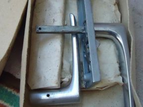 Ручки дверные, фурнитура и дверной механизм с защё