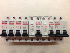 Электрика: Группа автоматов 16, 32А + 2 Дифф + Вык