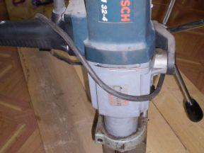 Дрель Bosch с магнитной стойкой