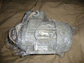 Двигатель(мотор) асинхронный 0.37kW 675 об СССР