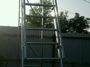 Передвижная складная лестница с площадкой