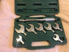 Набор динамометрических гаечных ключей Refco TW-8