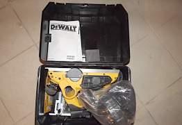 Рубанок Dewalt D26500