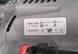 Перфоратор DeFort DRH-800
