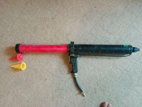 Пневматический пистолет для герметика Cox