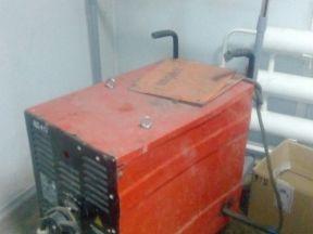 Сварочный аппарат полуавтомат. варит электродами
