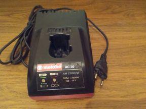 Зарядное Metabo AC-30 шуруповерта Metabo BZ 12 SP