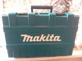 """Профессиональный перфоратор """"Makita"""" HR 4001C"""
