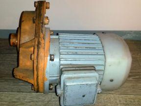 Электро Двигатель с редуктором 4аам63А4У3
