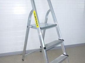 Алюминиевая лестница стремянка