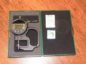 Микрометр цифровой электронный точность 0,001 мм