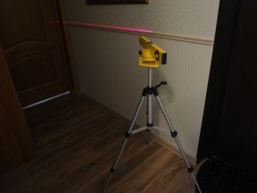 Лазерный уровень и Штатив для лазерного уровня