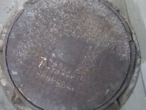чугунное кольцо и люк на септик, водопровод