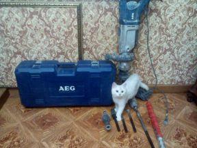 перфоратор AEG PN 11 E