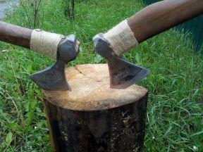 Топор кованный ручной обработки