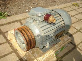 Трехфазный двигатель асинхронный