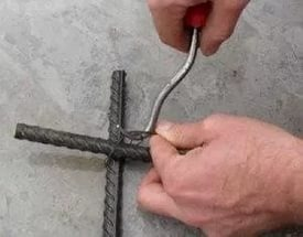 Крючок для вязания арматуры на подшипнике