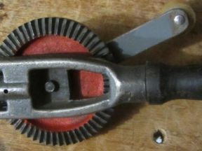Дрель ручная малогабаритная (патрон до 6 мм)