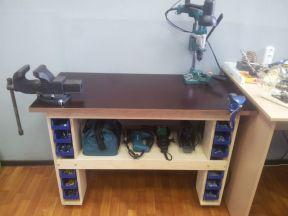 Верстак стол с поворотными тисками универсальный