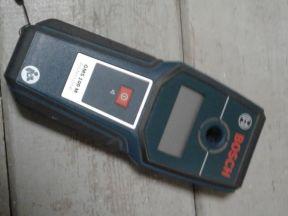 Детектор проводки Bosch GMS 100 М Профессионал