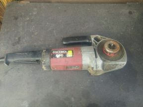 Клупп электрический резьбонарезной ridgid 600