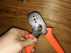 Инструмент для опрессовки кабельных наконечников