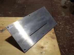 Пластина для установки циркулярной пилы в стол