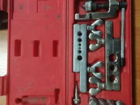 Набор инструмента для развальцовки труб