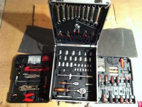 Ручной инструмент в чемодане на колесиках 188pcs