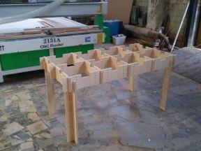 Ячеистый стол. Рабочий стол для строителей
