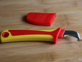 Нож для снятия изоляции с пяткой Easkertools 1000В