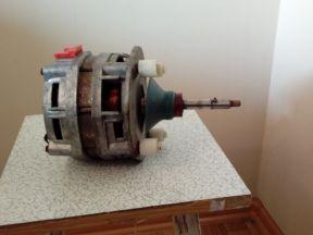 Электродвигатель асинхронный типа дао- цу4