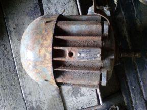 Двигатель асинхронный трёхфазного тока