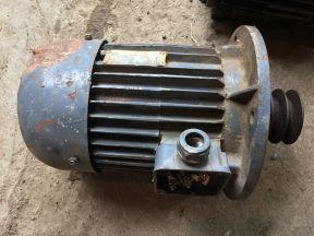 Электродвигатель асинхронный (трехфазный) 1.5 кВт