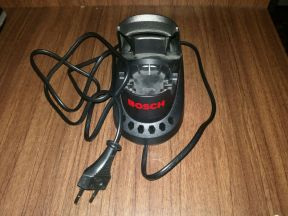 Зарядное устройство от шуруповёрта Bosch