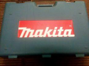 Перфоратор Makita HR 5001 C