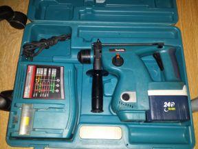 Перфоратор аккумуляторный Makita BHR200