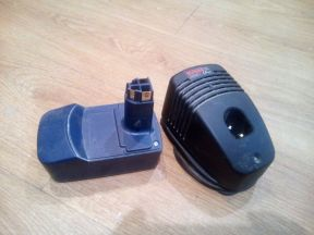 Аккумулятор и зарядник для шуруповерта 16 В