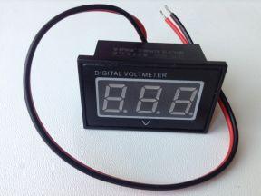 Цифровой вольтметр 15-120 В герметичный