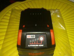 Аккумулятор milwaukee RED M18 BX
