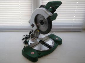 Пила торцовочная hammer STL800 в идеальн состоян